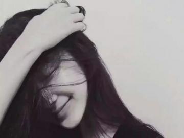 句句心痛的伤感句子 直到你牵了别人的手我才停下了逞强