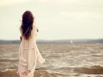 思念旧情人的伤感句子 我璀璨的青春,在你的掌心颠沛流离