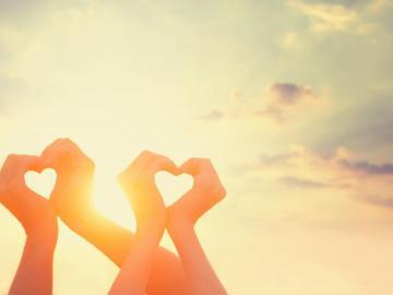 温馨向女孩子求婚的句子说说 求你嫁给我是我一生的夙愿
