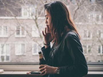 伤感落泪孤独心碎的朋友圈昵称