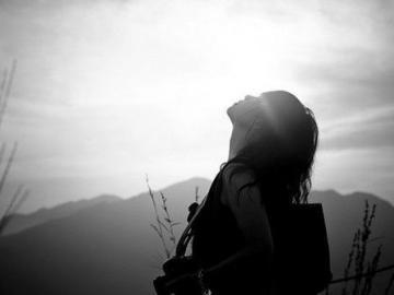 心痛到撕心裂肺的伤感说说 曾经的我再也不会回来,就像你已经离开了我
