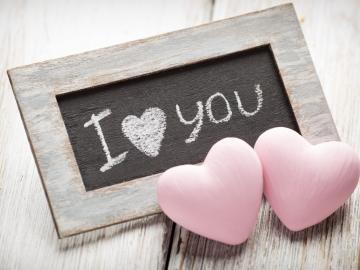 七夕节关于一辈子的爱情甜蜜说说 你是我独一无二的玫瑰