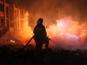 最美逆行者的说说 向消防战士们致敬
