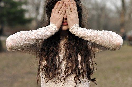 失恋个性签名女生辛酸说说伤感短语 失望到了尽头再深厚的爱都要变旧1
