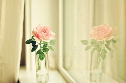那些伤感优美的句子看完哭了那种说说心情 我们的爱就此淹没在人海了