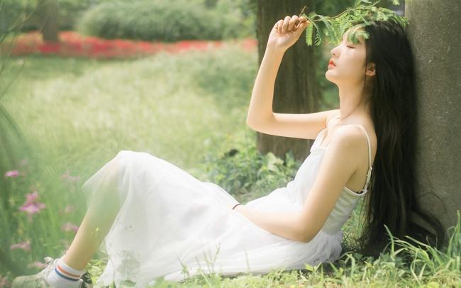 QQ情侣伤感说说大全 想哭时才想起泪已为你流干了