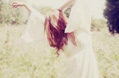 唯美早安心语图片带字句子说说心情周二发的 信仰像阳光