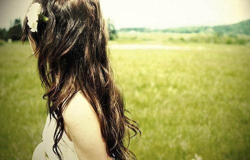 感悟人生说得很现实的经典说说句子 总会有一次流泪,让我们瞬间长大4