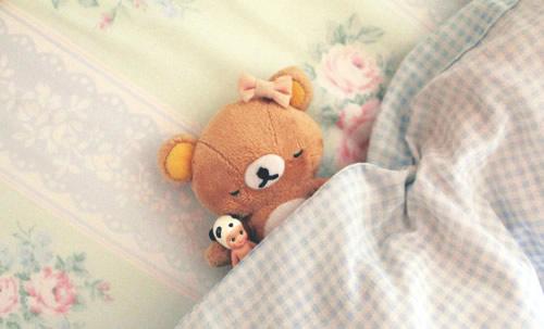 早安心语短句很现实带图片 再大的伤痛,睡一觉就把它忘了