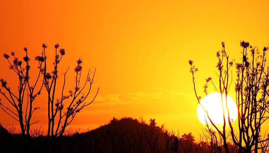 描写夕阳晚霞的古诗句 赞美绚烂晚霞的诗句 描写晚霞的优美句子段落