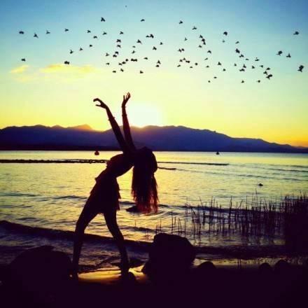 [有些人适合放在心里]我把你放在心里的爱情句子,心里面满满都是你的样子