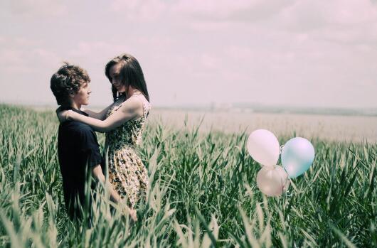 伤感情书:明明相爱,却看不到未来