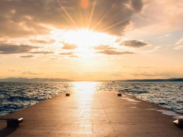 致自己的温柔句子   一定要在热爱的世界里闪闪发光