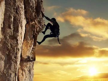 励志又犀利改变生活的句子:即便身在生活,也要做理想的卧底