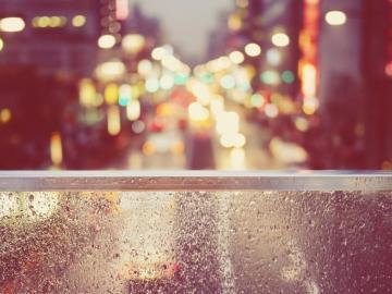 下雨天充满孤独的心情说说