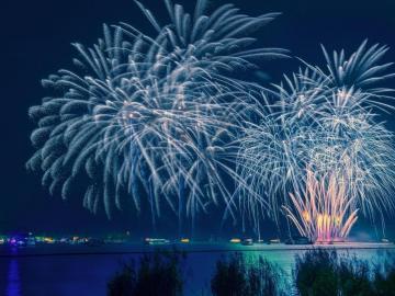 大年三十除夕祝福语 新春佳节到,拜年要赶早