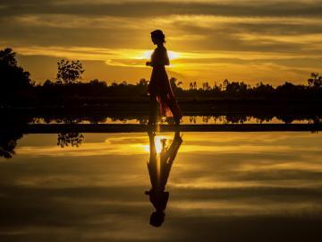 一个人孤独委屈想哭的句子心情说说