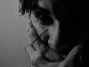 男生失恋后伤感凄凉说说语录 只有你任谁也无法替代