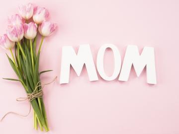 适合朋友圈关于表达母亲节祝福的说说 妈妈,我爱您,您辛苦了