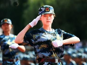 新生开学关于军训的霸气说说