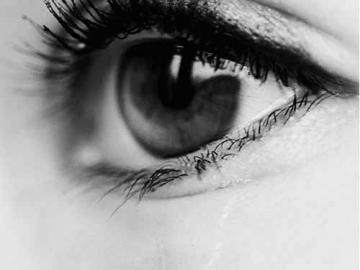 深夜失眠的伤感说说 可那冥冥中不属于你的,你又奈何