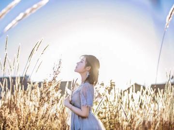 心有阳光的唯美短句说说 心有阳光,清风自来