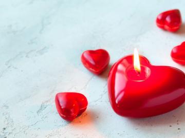 对称日爱你爱你一辈子的浪漫爱情说说