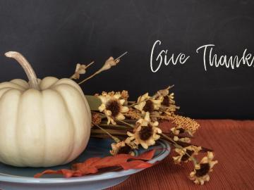 感恩节就要到了,提前祝身边的人感恩节快乐的祝福说说