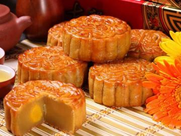 中秋朋友圈经典文案 今天祝你月饼最好吃