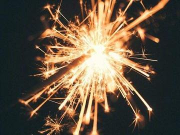 最打动人心的生日祝福说说  你的日子啊,是花开的声音