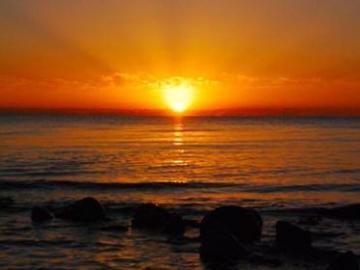看日出日落的唯美心情说说 看日出日落,云卷云舒