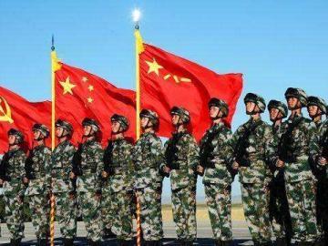 八一建军节节日说说 昂首挺胸齐步走 保家卫国手牵手