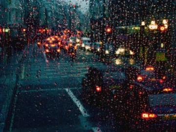 下雨天的心情經典句子   有些痛,適合無聲無息的忘記