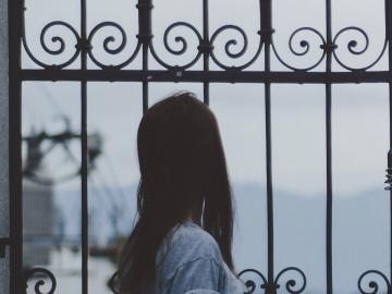 唯美伤感说说大全:让所有痛苦都有借口,正如所有背叛都是名正言顺