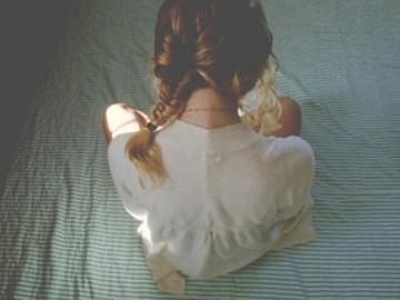 恋爱里伤感的女孩网名