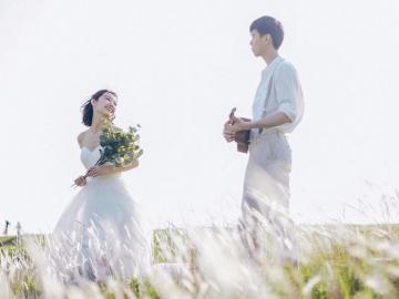 最近流行的婚纱照文案 像春夏秋冬,年复一年