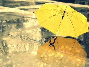 最适合下雨天发的朋友圈心情说说 伤感烦闷的句子
