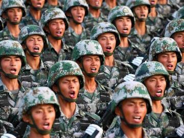 八月一日建军节,桂花飘香军歌响