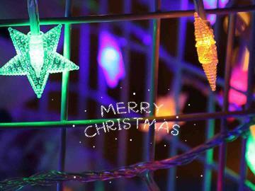 圣誕節適合發朋友圈的心情說說  想坐著圣誕老人的雪橇,變成小鹿女孩
