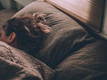 和孤独说晚安的伤感说说