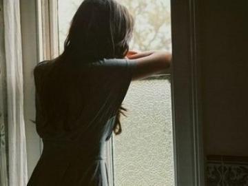 看了让人流泪的伤感短句:想嫁给爱情,却总遇不到对的人