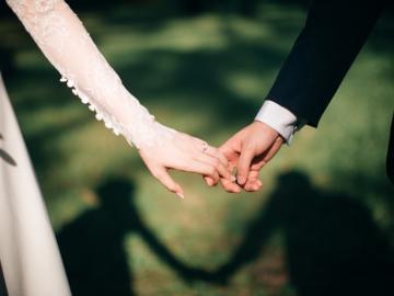 关于浪漫幸福爱情的短句子
