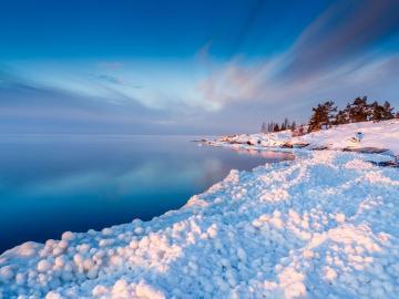 大雪时节天气寒,暖心问候跟着跑