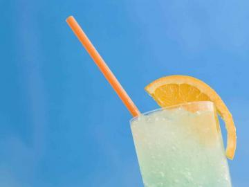 夏日喝杯饮料凉爽一下的心情说说