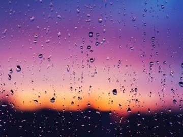 適合下雨天發朋友圈的傷感說說  找不到喜歡的傘,我寧愿淋雨
