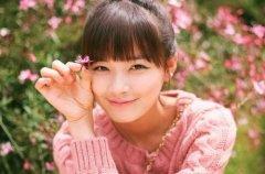 微博唯美伤感的句子说说心情短句子 每天微笑的人并不代表她开心快乐